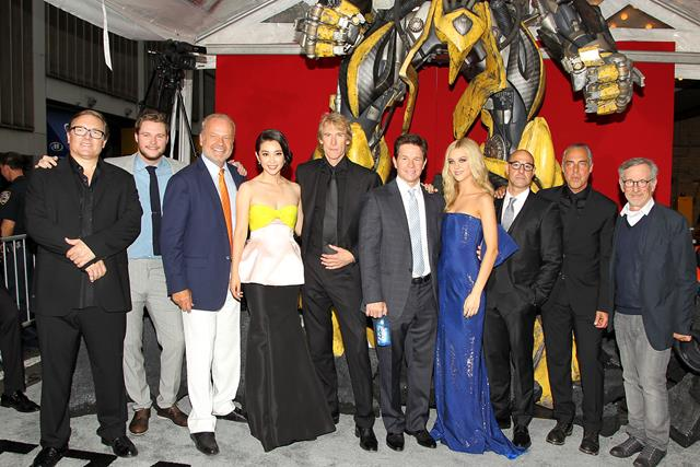 TRANSFORMERS AGE OF EXTINCTION Cast & Crew