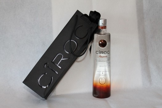 AMARETTO CIROC Gift Amaretto for HOMBRE Magazine