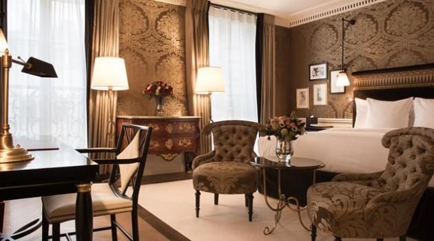 La-Reserve-Paris-Hotel-chambrefor HOMBRE Magazine