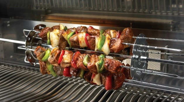 kebab rotiss_in_use_napoleon_grills1