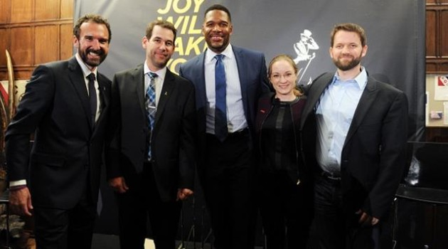1 Steve Wilson, Doug Ellin, Michael Strahan, Eva Håkansson, and Dr. Matt Killingsworth s