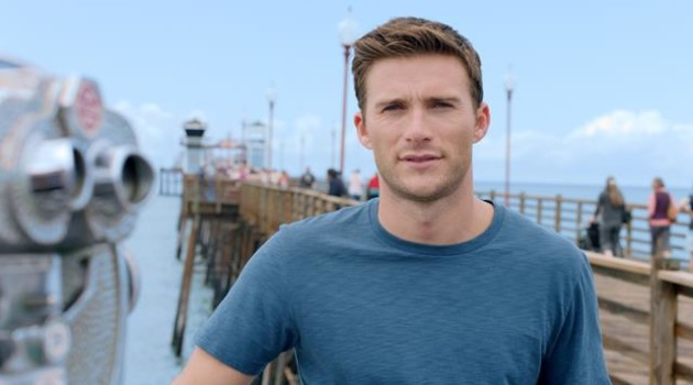 Scott being interviewed on Oceanside Pier for HOMBRE Magazine (Copy)
